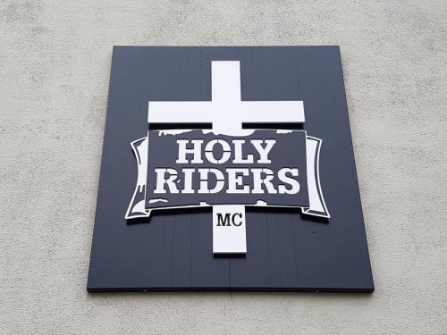 Kongsberg Tynnplate Veggskilt Holy Riders